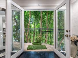 Barham Boutique Townhouse, hotel in Los Angeles