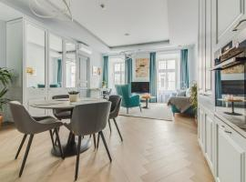 Modern Luxury Apartments in the Heart of Old Town Vilnius by Houseys, hotel in Vilnius
