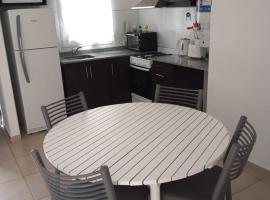 Excelente departamento para 5 personas, apartment in Godoy Cruz