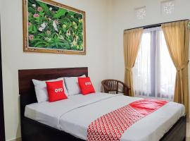 OYO 3912 Wahyu Residence Bali, hotel in Denpasar
