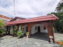 Gothic Villa Semi D Party House OUG KL, villa in Kuala Lumpur