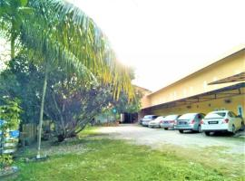Motel Kampung Kuah, hotel in Kuah
