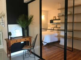Acacia Stay Apartment, self-catering accommodation in Cape Town