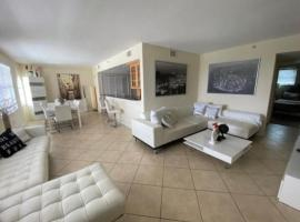 OCEANVIEW LARGE DREAM CONDO WITH 2BD/2B in CLEARWATER BEACH, vacation rental in Clearwater Beach