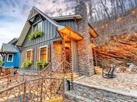 Alpine Creekside Chalet, cabin in Gatlinburg