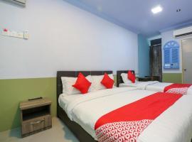 OYO 90126 Pen U Cottages, hotel di Dungun