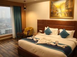 The Grand Arc Hotel & Convention Centre, hotel in Shāhjahānpur