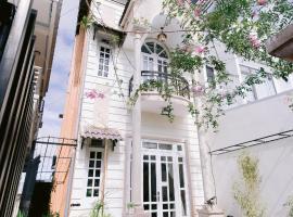 Đà Lạt Sả 141 - Lemongrass house, pet-friendly hotel in Da Lat