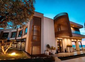 Hotel Miramare, hotel in Vlorë