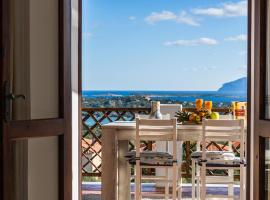 Emerald Seaview Apartments, beach hotel in Porto Cervo