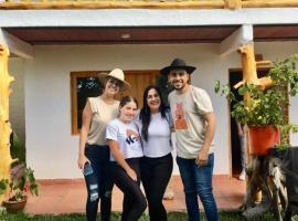 CABAÑA LOS NOGALES, hostal o pensión en San Agustín