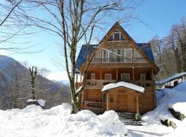 Orechovaya Roscha Guest House, holiday home in Krasnaya Polyana