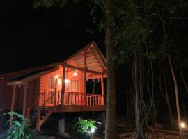 Starfish Bungalows, hotel in Koh Rong Island