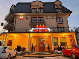 Hotel Dva Goluba, hotel na Palama