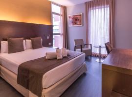 Hotel Madanis, hotel a l'Hospitalet de Llobregat
