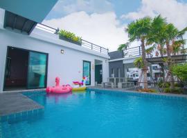 บ้าน Spring Vintage Pool Villa ใจกลางเมืองหัวหิน ใกล้หาด, hotel in Hua Hin