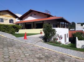 Casa confortavel Bombinhas SC, pet-friendly hotel in Itajaí
