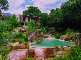 Long Hill Bai Xep Resort & Spa, spa hotel in Quy Nhon