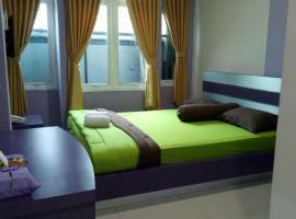 Hotel Ungu Pas Kangen Bekasi, hotel near Bekasi Train Station, Bulanbulan