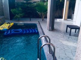 Villa calme avec piscine à avepozo, villa in Lomé