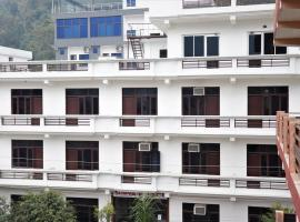 Hotel Surya Palace, hotel in Rishīkesh