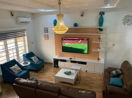 LRbnb Tastefully Furnished 4 Bedroom Duplex (Lekki), villa in Lekki