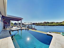 Waterfront Home with Pool, Hot Tub & Kayaks home, vacation rental in Clearwater
