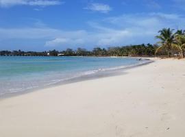 Pic-Nic Beach Corn Island, hotel in Little Corn Island