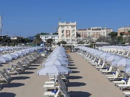 Grand Hotel Cesenatico, отель в Чезенатико