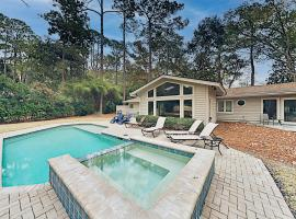 Sea Pines Home with Private Pool & Hot Tub home, villa in Hilton Head Island