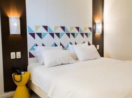 Master Express Moinhos de Vento Hotel & Coliving, hotel near Bourbon Country Porto Alegre, Porto Alegre