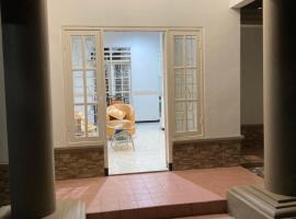Villa Palm 74, accessible hotel in Malang