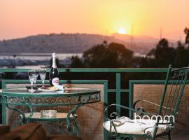 95m² homm Spectacular Flisvos Marina Sea View Flat, hotel in Athens