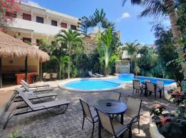 Hotel LunaSol, hotel in Playa del Carmen