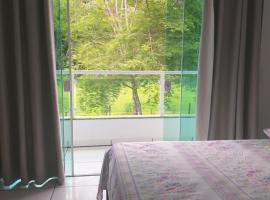 Casa Aconchegante a 20 Minutos do Centro de Paraty, hotel in Paraty