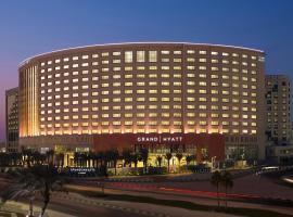 فندق وريزيدنس جراند حياة الخبر، فندق بالقرب من مجمع الراشد، الخبر