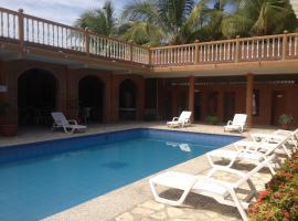 Suite Hotel Romanos, hotel in Playas