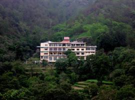 ADB Rooms Hotel Falcon Crest, Shimla, hotel in Shimla