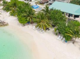 Crown Beach Hotel Maldives, guest house in Dhiffushi