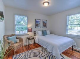 Walking distance to the best of Midtown!, apartment in Memphis