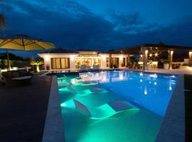 Luxurious designer beach house with private pool, villa in San Carlos