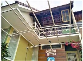 Dewina Villas, hotel in Batu
