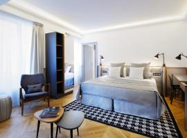 Hotel Petit Lafayette, hotel near Gare du Nord, Paris