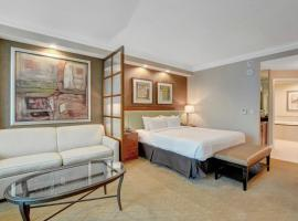Strip View Suite at MGM Signature, hotel near Crystals Shopping Center, Las Vegas