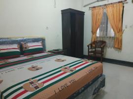 SPOT ON 2832 Wisma Sukatani Indah, hotel in Depok