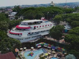 Kapal Garden Hotel Malang, hotel in Malang