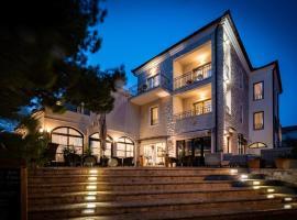 Hotel Nikola, hotel in Vodice