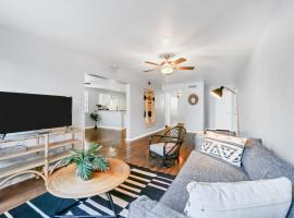 Viagem Superb 2BR With Parking, Patio near Shops, apartment in Tampa