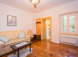 Apartment in Old Stone Villa by Neretva River, apartment in Metković