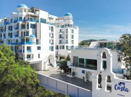 Costa Village Beach Resort & Jacuzzi at Bangsaray, hotel near U-Tapao Rayong-Pattaya International Airport - UTP, Sattahip